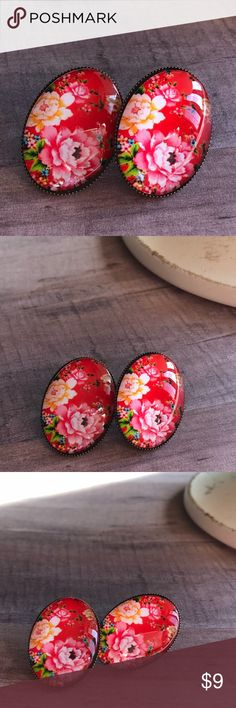 """🆕Style! Vibrant Red Floral Oval Bronze Earrings! New, Handmade by Me! 🆕Style! 18X25mm or 0.8""""X1"""" Size; Oval Shape; Earrings Have Bezel Edge; Silver & Vintage Bronze Available; These are a Beautiful Vibrant Red Floral Print! 📸These are my pic's of the Actual items you will receive!  ▶️NOT Part of the 3-$15◀️  ▪️Post Back for Pierced Ears ▪️Nickel, Lead & Cadmium Free  *NO TRADES *Price is FIRM as Listed!  *Sales are Final-Please Read Descriptions! gallery_of_gems Jewelry Earrings"""