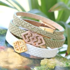 DQ leather with reptile stripes and DQ metal sliders mixed perfectly in this jewellery set!