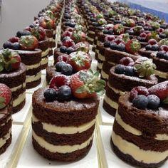trendy Ideas wedding cakes chocolate desserts – Famous Last Words Mini Wedding Cakes, Mini Cakes, Cupcake Cakes, Cupcakes, Petit Cake, Cake Recipes, Dessert Recipes, Little Cakes, Small Cake