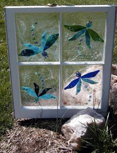 This Garden Glass Window This Garden Glass Window is called 'Dragonflies'. This Garden Glass Window is called 'Dragonflies'. Details about MAJESTIC PEStained Glass Abstract PaBuy real stained glass su Painting On Glass Windows, Mosaic Windows, Glass Painting Designs, Paint Designs, Faux Stained Glass, Stained Glass Projects, Stained Glass Windows, Window Glass, Dragonfly Stained Glass