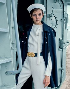 Anna Vivchar For ELLE Kazakhstan - October 2016 Navy Chic Photographed by Daniela Rettore Fashion Editor: Benedetta Ceppi Hair and Make-Up: Agata Branchina Fashion Art, New Fashion, Editorial Fashion, Womens Fashion, Fashion Design, Curvy Fashion, Fall Fashion, Fashion Tips, Fashion Trends