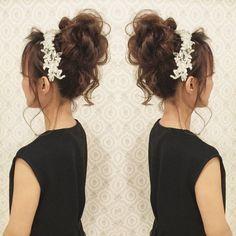いいね!297件、コメント6件 ― R.Y.K Vanilla Emuさん(@ry01010828)のInstagramアカウント: 「今日は友人の挙式当日の リハーサルでした! この髪型はミニドレス用♪ ドレスに合わせてかわいく おくれ毛有りのおだんごに! 当日は列席しながら ヘアメイクに入るので とても楽しみ~! #ヘア…」