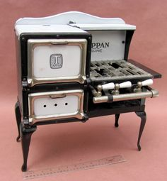 Antique Tappan Salesman Sample / Vintage Toy Cookstove / Gas