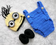 Despicable Me Monster Infant Knitted Crochet Costume Photo Photography Prop Knitted Baby Outfits, Crochet Baby Clothes, Newborn Crochet, Crochet Baby Hats, Baby Knitting, Minion Costumes, Baby Halloween Costumes, Baby Costumes, Infant Halloween