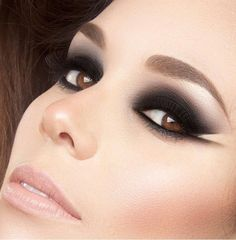 Makeup Palette, Smokey Eye, Makeup Looks, How To Look Better, Lips, Make Up, Face, Beauty, Beautiful