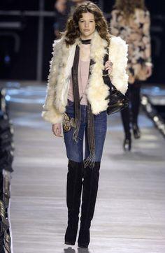 Chloé at Paris Fashion Week Fall 2003 - Runway Photos 00s Fashion, Couture Fashion, High Fashion, Faux Fur, Chloe, Fur Coat, Runway, Hair Beauty, Fall