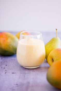 Made with pears, mango, milk and Greek yogurt, this pear mango smoothies makes a perfect light, refreshing breakfast. Easy Healthy Smoothie Recipes, Healthy Waffles, Breakfast Smoothie Recipes, Fruit Smoothie Recipes, Vegan Smoothies, Dairy Free Breakfasts, Whole 30 Breakfast, Mango, Manga