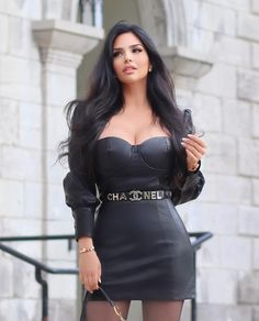 Tight Dresses, Sexy Dresses, Elegantes Outfit, Brunette Beauty, Girl Fashion, Womens Fashion, Sexy Skirt, Sexy Hot Girls, Mannequins