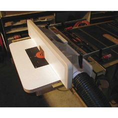 Dust-Collecting Router Table Fence Downloadable Plan