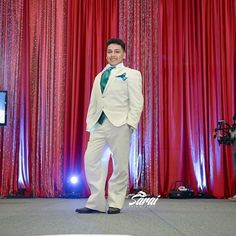 EXPO QUINCEAÑERA NW 2016 DESFILE DE LOS CHAMBELANES  MODELANDO LOS TRAJES DE MR… Chambelanes, Photo And Video, Suits, Formal, Instagram, Fashion, Templates, Christians, Outfits