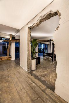 Rustic Coffee Shop, Coffee Shop Design, Cafe Design, Natural Interior, Bar Interior, Door Design, House Design, Cafe Exterior, Cafe Concept