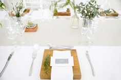 I assisted Jenni Elizabeth at this beautiful Autumn Lourensford wedding. Wedding Decorations, Table Decorations, Table Settings, Projects, Beautiful, Home Decor, Log Projects, Blue Prints, Decoration Home
