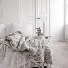 Картинки по запросу throw blanket