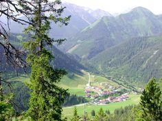 Lechtal - Thaneller  zicht op Rinnen