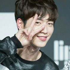 #서강준 #SeoKangJoon #KangJoon #5urprise #KDrama #KPop Gong Seung Yeon, Seung Hwan, Lee Sung Kyung, Seo Kang Joon, Kang Jun, Hot Korean Guys, Korean Couple, Korean Men, Asian Actors