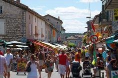 Ruoms : Cité Médiévale  marché les vendredis matin