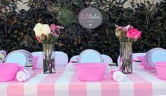 La pequeña Isabella eligió la temática de su personaje favorito: Peppa Pig,para realizar su fiesta de cumpleaños número 3. Por lo tanto su mesa de dulces