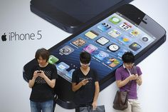 Apple cuts orders for iPhone 5 parts due to weaker-than-expected demand, sources say. (The Wall Street Journal; photo: Bloomberg News)