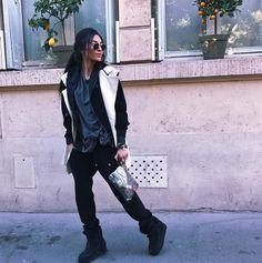"486 mentions J'aime, 45 commentaires - دامي   Damy (@gamine__de__paris) sur Instagram : ""Look of the day  #lifestyleblogger #bloggerlife #streetstyle""  Look sport #style"