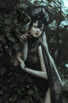 Model & MUA: Maria Amanda Photo: Grace Almera Designer: Posh Fairytale Couture Claws: Freckles Fairy Chest Gothic and Amazing Inspiration Drawing, Character Inspiration, Dark Beauty, Gothic Beauty, Fantasy Women, Fantasy Art, Estilo Dark, Amanda, Foto Art