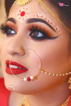"Photo from The Wedding Journeyy ""Wedding photography"" album Bengali Bridal Makeup, Bridal Eye Makeup, Bridal Makeup Looks, Bride Makeup, Lip Makeup, Wedding Makeup, Indian Wedding Bride, Bengali Wedding, Indian Wedding Outfits"