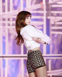 BLACKPINK || Lisa (2017 SBS Gayodaejun)