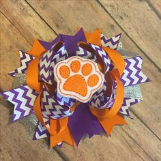 Favorite team Tbb boutique bow hairbow