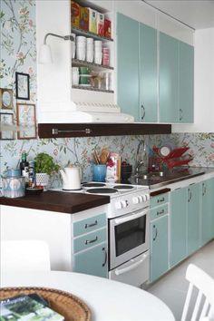 Bild från http://www.skonahem.com/Global/Skonahem/inredning/kok-bad/trolleri-med-farg-och-en-r/phed003.jpg.