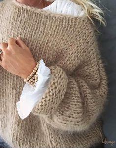 White Women Sweater Mohair Sweater Hand knitting women cardigan Angora wool ca . White Women Sweater Mohair Sweater Hand Knitting Women Cardigan Angora Wool Cardigan Arm Knitting Women Jaket Oversize M. White Knit Sweater, Mohair Sweater, Wool Cardigan, Loose Knit Sweaters, Boho Sweaters, Chunky Sweaters, Casual Sweaters, Sweater Coats, Pullover Sweaters