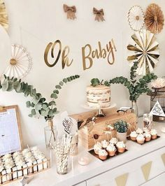 55 amazing baby shower decorations to welcome the little bundle of joy – Artof. - Baby shower ideas - 55 amazing baby shower decorations to welcome the little bundle of joy – Artof… - Boho Baby Shower, Cute Baby Shower Ideas, Beautiful Baby Shower, Gender Neutral Baby Shower, Baby Shower Decorations Neutral, Baby Decor, Simple Baby Shower, Baby Shower Green, Baby Shower Safari
