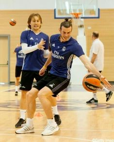 Basketball Court, Soccer, Gareth Bale, Real Madrid, Croatia, Athletes, Football, Sport, Videos