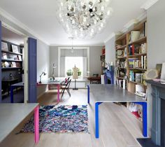 Concrete furniture by lowinfo at design Concrete Table, Concrete Furniture, Cool Furniture, Concrete Design, Workspace Inspiration, Interior Inspiration, Simple Desk, Deco Originale, Gray Interior
