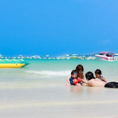 Relaxing on the beach at Koh larn, Thailand by Patcharisa Theppawong #DusitDreamHoliday