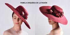 La pamela orquídea de la pasión y distinción es un símbolo de la elegancia, belleza, amor y pasión. La orquídea roja es la flor de la elegancia y distinción por eso se convirtió en la flor favorita de la clase acomodada. Simboliza la belleza e incluso lujuria y es una demostración de un alto aprecio y admiración. e producción limitada. Diseñado y producido enteramente en España de acuerdo a la filosofía del movimiento Slow, de forma sostenible y ecológica. Pamela, Hats, Flower, Lust, Elegance Fashion, Fascinators, Red, Boyfriends, Beauty