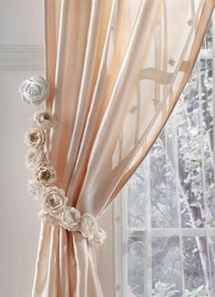 curtain exclusive