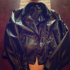 H&M leather jacket with fur collar H&M leather jacket with fur collar size 10 H&M Jackets & Coats