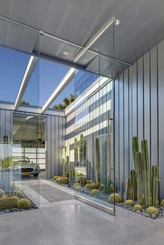 """House in Palm Springs California, Architect Micheal Johnston Photo by James Haefner"" Architecture Durable, Interior Architecture, Modern Exterior Doors, Exterior Design, Modern Door, Patio Interior, Interior And Exterior, Door Design, House Design"