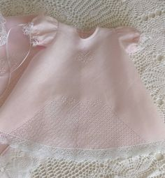 Pink Baby Girl Dress with Drawn Thread and Bobbin Lace Baby Girl Frocks, Frocks For Girls, Drawn Thread, Thread Work, Baby Dress Design, Sewing Circles, Angel Gowns, Baby Boy, Baby Couture