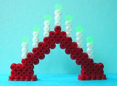 Emos alster av prp (plaströrpärlor) - Bildgalleri - Pärlpyssel iFokus Hama Beads Design, Diy Perler Beads, Hama Beads Patterns, Beading Patterns, Cute Crafts, Diy And Crafts, Christmas Crafts, Christmas Decorations, Diy For Kids