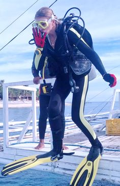 Diving Suit, Scuba Diving Gear, Triathlon Wetsuit, Diving Wetsuits, Scuba Girl, Womens Wetsuit, Diving Equipment, Snorkeling, Diving