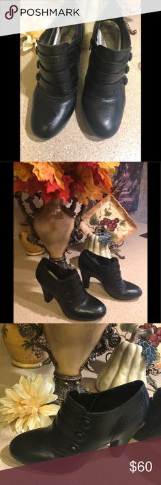 Beautiful Gianni Bini Black booties-7 Med💋 Classy to casual wear, black booties. Three fro straps across front, with a side zipper. Very good condition. Very slight scratches on heels and worn slightly, as shown in pictures!💋 Gianni Bini Shoes Ankle Boots & Booties