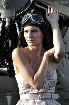 determined to fly Fashion Shoot, Editorial Fashion, Hot Outfits, Girl Outfits, Spieth Und Wensky, Female Pilot, Aviators Women, Rockabilly Cars, Warrior Girl