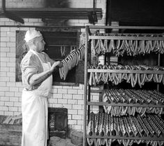 Sausage Production, 1957 (Source: ČTK / Czech News Agency) News Agency, You Tried, Vintage Images, Sausage, Canning, Glass, Vintage Pictures, Drinkware, Sausages
