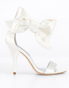 10 Wedding Shoes that will never go out of style