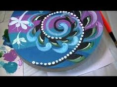 Painting on Stepping Stones with Jillybean Fitzhenry. Painted Stepping Stones, Painted Pavers, Painted Pots, Painted Bricks, Paver Stones, Decorative Painting Projects, Acrylic Painting Tutorials, Painting Videos, Mosaic Rocks