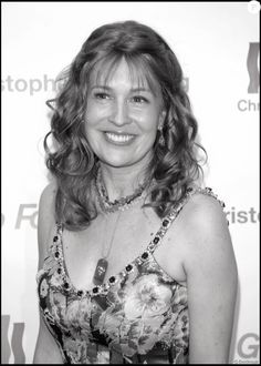In MEMORY of DANA REEVE on her BIRTHDAY - Born Dana Charles Morosini, American actress, singer, and activist for disability causes. She was the wife of actor Christopher Reeve. Dana Reeve, Christopher Reeve, Lung Cancer, Let Them Talk, Disability, Lunges, American Actress, Celebrity News, Dancer