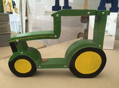 Handmade Wooden Tractor Coin Bank Handmade Wooden Tractor Coin Bank The post Handmade Wooden Tractor Coin Bank appeared first on Spardose ideen. Wooden Words, Wooden Art, Woodworking For Kids, Woodworking Projects, Wooden Piggy Bank, Penny Bank, Scroll Saw Patterns Free, Bois Diy, Kids Wood