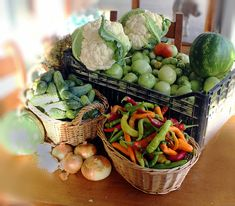 ingrediente muraturi Table Decorations, Vegetables, Tips, Canning, Greedy People, Recipes, Vegetable Recipes, Dinner Table Decorations