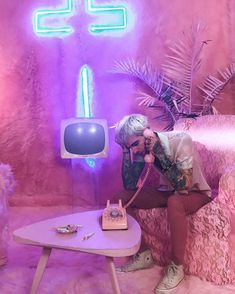 Barbie & Ken behind the scene Jesse Rutherford, Jesse James, Pink Aesthetic, Aesthetic Photo, The Neighbourhood, Music Drawings, Bedroom Wall Collage, Papi, Arctic Monkeys