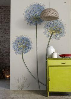 'Allium Caeruleum' Mural - The Royal Horticultural Society from per sq/m Interior Decorating Styles, New Interior Design, Interior Stylist, Easy Home Decor, Home Decor Trends, Garden Mural, Flower Mural, European Home Decor, Traditional Decor